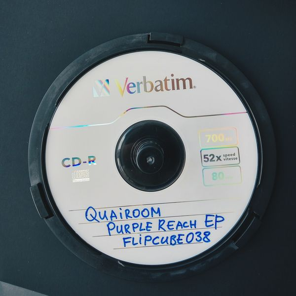 quairoom-purple-reach-ep-flipcube038-4mal-evgeny-svalov-russian-cybernetics